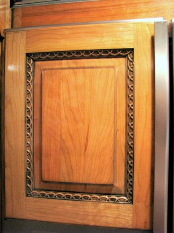 Wood carved cabinet door moulding - Half Rings