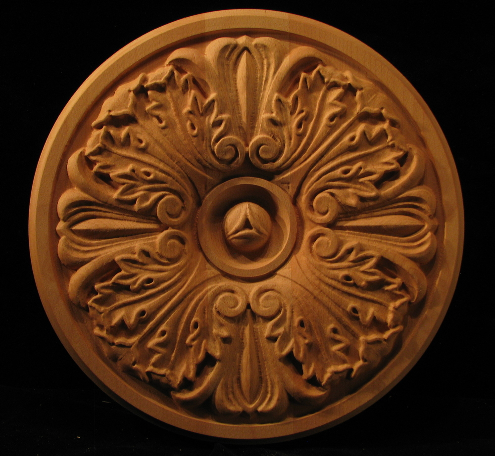 Medallion Acanthus With Points Carved Wood