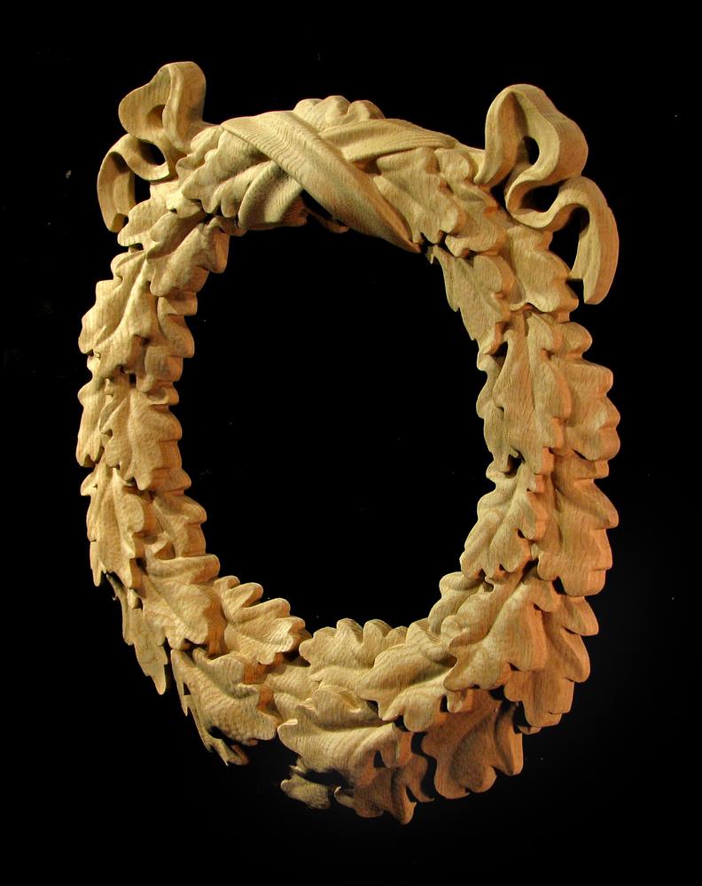 Medallion - Oak Leaf Wreath and Ribbon