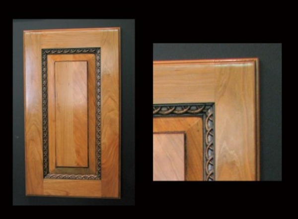 Image Cabinet Door with Rings molding