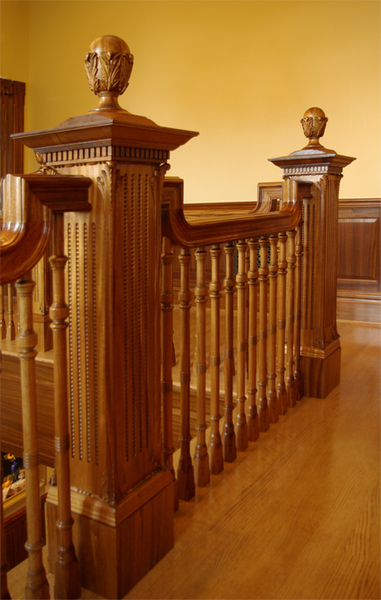 Image Cali Newel  Posts
