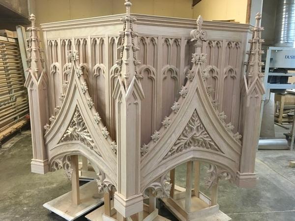 Image Thomas Aquinas College Chapel - Gothic Spires and Details